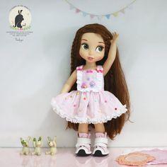 Young lady dress .Doll clothes for Disney par RabbitinthemoonThai