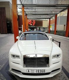 Luxurious Royce Rolls Royce Dubai, Expensive Sports Cars, Curvy Women, Hot Cars, Luxury Cars, Motors, Wealth, Dark, Nice