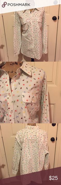 🆕 Talbots printed button down Super cute! Great condition.👺NO TRADES DONT ASK! ✌🏼️Transactions through posh only!  😻 friendly home 💃🏼 if you ask a question about an item, please be ready to purchase (serious buyers only) ❤️Color may vary in person! 💗⭐️Bundles of 5+ LISTINGS are 5️⃣0️⃣% off! ⭐️buyer pays extra shipping if likely to be over 5 lbs 🙋thanks for looking! Talbots Tops Button Down Shirts