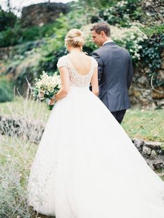 Photography: Jordan Brittley - jordanbrittley.com Wedding Dress: Allure Bridal - www.allurebridals.com   Read More on SMP: http://www.stylemepretty.com/2015/12/19/pops-of-pretty-17/