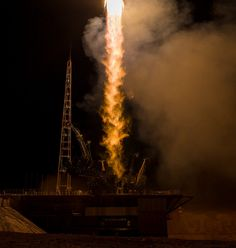 Expedition 43 Launch (201503280009HQ)