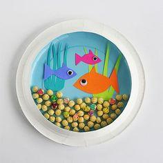 Paper Plate Aquarium for ocean theme. Kid Craft.