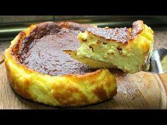 Hola amigos, hoy vamos a cocinar una tarta de queso casera, no os voy a exagerar nada si digo que es la tarta de queso mas fácil y rica del mundo, al menos, de las que yo he probado. los ingredientes a utilizar son muy cotidianos y faciles de encontrar. La textura que tiene esta tarta es entre pastosa por lo compacta y suave por el sabor tan fino que tiene. Me gustaría que vieras primero el vídeo ...
