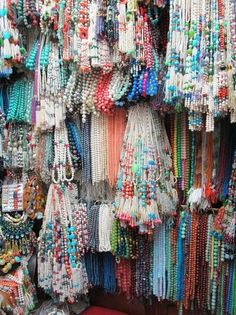 with this many beads, I'd be gone for hours just looking and planning.