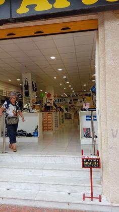 Tiendas en Guardamar del Segura, cadena de zapaterías www.salvadorartesano.com