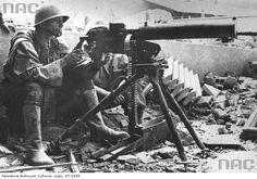 Insurgent manning a 7.92 mm 'Browning' wz. 30 on ul. Bartoszewicz.