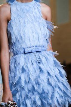 Fendi Spring 2015 Ready-to-Wear Fashion Show Style Couture, Couture Details, Fashion Details, Couture Fashion, Runway Fashion, Fashion Beauty, Fashion Design, London Fashion, Blue Fashion
