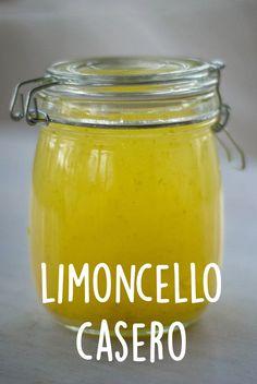 Aquí te mostraremos paso a paso como hacer limoncello casero.