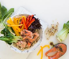 A perfect meal to take on the go! Halibut Recipes, Crab Recipes, Lunch Recipes, Clean Eating Salmon, Epicure Recipes, Healthiest Seafood, Healthy Protein, Meals, Quinoa