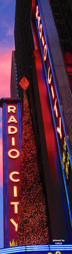 Christmas at Radio City Music Hall NYC | LOLO