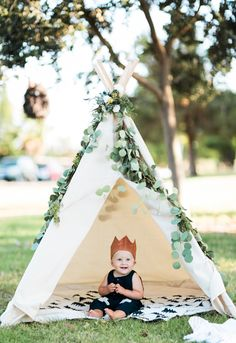 Cru's 'Wild Thing' FIrst  Birthday Party //  Kelli Murray