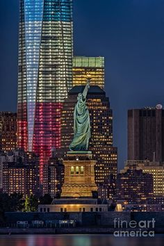 The Statue of Liberty. World Trade Center. Buildings. Love. Stunning.