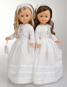 Regalo para Comuniones: muñeca Nancy Comunión 2014 Nancy Doll, Spanish Girls, American Girl Crafts, Child Smile, Kool Kids, Bride Dolls, Vintage Barbie, Girl Dolls, Childhood Memories
