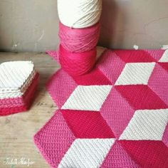 Crochet - great design but not the colour. Would look good in greens and aquas