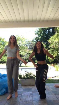 Maddie and Mackenzie Ziegler Dance Moms Memes, Dance Moms Funny, Dance Moms Videos, Dance Moms Girls, Dance Music Videos, Dance Choreography Videos, Mack Z, Maddie And Mackenzie, Mackenzie Ziegler Solos