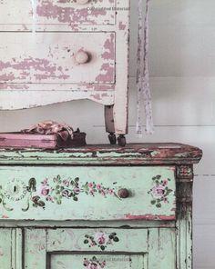 Rachel Ashwell: Couture Prairie: And Flea Market Treasures: Amazon.co.uk: Rachel Ashwell: Books