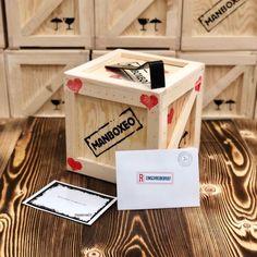 Personalisierte Nachricht 📨 muss sein 😃 #wowboxeo #geschenke #geschenkefürmänner Home Decor, Original Gifts, Crates, Guy Gifts, Decoration Home, Room Decor, Home Interior Design, Home Decoration, Interior Design