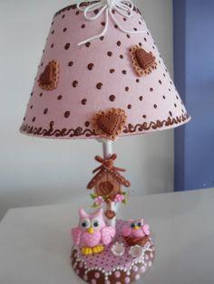 Abajur de MDF decorado com biscuit