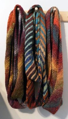 Ronbiais - a fast and easy scarf knit on the bias - pattern by Elizabeth Brassard