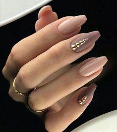 60+ Most Gorgeous Nails Light Nail Color For 2019 Mauve Nails, Dark Nude Nails, Cuffin Nails, Dark Color Nails, Jewel Nails, Nails 2016, Glitter Nails, Gold Nail, Chic Nails