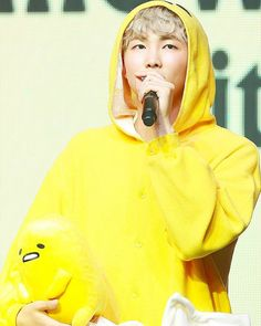 Namjoon as an egg yolk. Namjoon, Taehyung, Rapmon, Jimin, Bts Bangtan Boy, Foto Bts, K Pop, Yoonmin, Mixtape