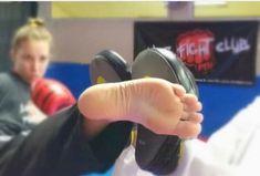 Female Martial Artists, Martial Arts Women, Girl Soles, Horse Girl Photography, Karate Girl, Barefoot Girls, Female Fighter, Female Feet, Women's Feet
