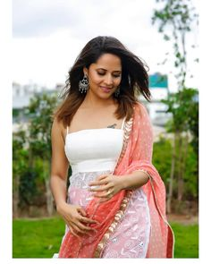 Anasuya Bharadwaj Beautiful Pics Hot Pics Indian Movies Top Gallery, Anasuya Bharadwaj is an Indian television presenter and actress. She is a film actor who works predominantly in Telugu cinema and Telugu Television shows. Bollywood Cinema, Bollywood Photos, Bollywood Actress, Beautiful Girl Indian, Most Beautiful Indian Actress, Hot Actresses, Indian Actresses, White Ball Gowns, Punjabi Dress