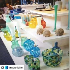 Kautokeino jewels. #reiseliv #reisetips #reiseblogger #reiseråd  #Repost @myarcticlife with @repostapp  - So many colourful and nice things at Juhls' Silvergallery in Kautokeino #juhls #juhlssilvergallery #interior #design #art #nicecolours #värit #taide #finafärger #interiør #finefarger #arcticlife #arcticliving