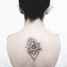 Floral Venus symbol tattoo by Fer Solley Venus Tattoo, Piercing Tattoo, I Tattoo, Love Tattoos, Tattoos For Women, Tatoos, Equality Tattoos, Strong Woman Tattoos, Feminist Tattoo