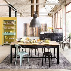 Mango Wood and Metal Dining Table Cosy House, Metal Dining Table, Table Bar, Affordable Furniture, Diy Room Decor, Home Decor, Wood And Metal, Industrial Style, Industrial Design