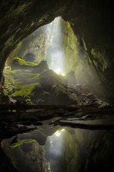 베트남의 항손둥 동굴