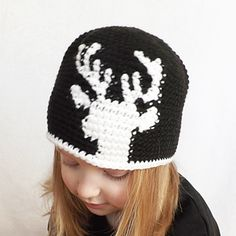 Please visit our store (http://www.ravelry.com/patterns/library/dylan-deer-silhou...) to purchase the LEFT & RIGHT HAND pattern (both versions are included)!