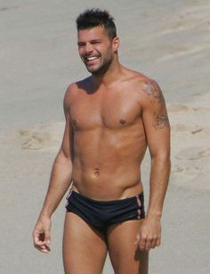 PHOTOS: Male Celebs In Their Skivvies Give David Beckham A Run For His Money / Queerty