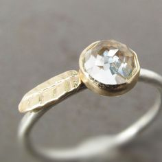 Rose Cut White Topaz Leaf Stack Ring Diamond von LilianGinebra