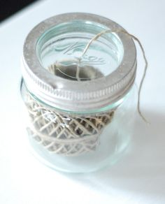 Norgesglass i ny drakt - Boligpluss.no Written by Linn Carin Dirdal. Pinterest App, Loom Patterns, Diy And Crafts, Mason Jars, Projects To Try, Good Things, Canning, Creative, Glass