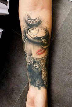 http://tattoomagz.com/pocket-watch-tattoos/sweet-pocket-watch-tattoo/