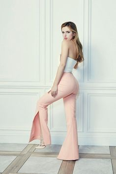 Bella Thorne booty in peach pants 2016