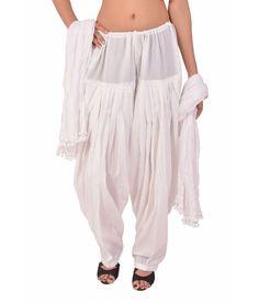 Patiala Pants, Patiala Dress, Patiala Salwar Suits, Girl Fashion, Fashion Dresses, Womens Fashion, Ethnic Outfits, Pants For Women, Clothes For Women