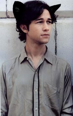 Joseph Gordon-Levitt in kitty ears. How can you not love this?