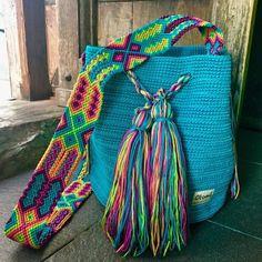 Morral Maya Redondo de Otomiartesanal   Etsy Gypsy Style, Boho Gypsy, Maya, Friendship Bracelet Patterns, Embroidery Techniques, Handmade Bags, Margarita, Hand Knitting, Bucket Bag