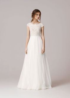 Anna Kara wedding dress