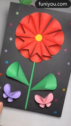 Paper Flowers Craft, Paper Crafts Origami, Paper Crafts For Kids, Flower Crafts, Preschool Crafts, Flower Paper, Diy Crafts Hacks, Diy Crafts For Gifts, Diy Arts And Crafts