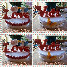 Topo  de bolo  que servirá  como enfeite  para aniversário  de casamento.
