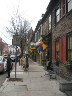 A quaint historic town, Gettysburg looks very welcoming and festive this time of year. Gettysburg College, Rolling Thunder, Wish I Was There, American Civil War, Home And Away, Pennsylvania, Vintage Photos, Festive, Battle