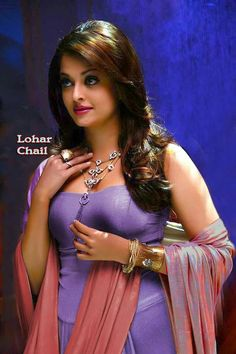 Aishwarya Rai is a talented artist and very popular among fans. Aishwarya Rai photo gallery with amazing pictures and wallpapers collection. Bollywood Actress Hot Photos, Bollywood Girls, Beautiful Bollywood Actress, Bollywood Celebrities, Beautiful Actresses, Beautiful Girl Photo, Beautiful Girl Indian, Most Beautiful Indian Actress, Beauty Full Girl