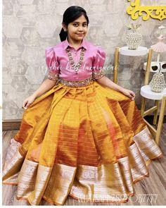 Kids Party Wear Dresses, Kids Dress Wear, Kids Gown, Dresses Kids Girl, Indian Dresses For Kids, Girls Frock Design, Long Dress Design, Baby Dress Design, Cotton Frocks For Kids