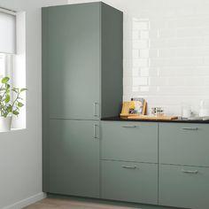 Best Modern Kitchen Design Ideas 2018 – Room Remodel Tips Kitchen Ikea, Green Kitchen Cabinets, Kitchen Furniture, New Kitchen, Eclectic Kitchen, Ikea Cabinets, Kitchen Layout, Kitchen Hacks, Kitchen Cupboard