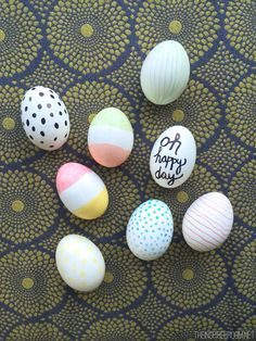 Decorating pretty eggs for the holiday can be fun, easy, and mess-free! Try creating these DIY Marker Colored Easter Eggs. Easter Egg Dye, Coloring Easter Eggs, Hoppy Easter, Easter Crafts, Holiday Crafts, Easter Decor, Holiday Decor, Kids Crafts, Dyi