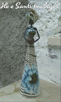 Africana con vaso by Santino Cossu e Ilenia Pintus