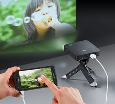 Sanwa Direct portable HDMI mobile projector for smartphones. WANT